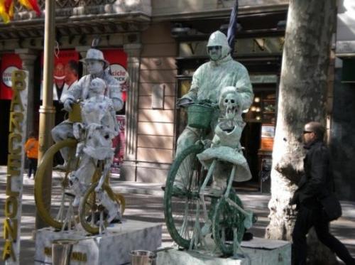 street-performers-on.jpg