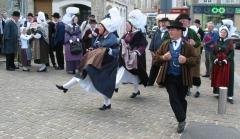 Normandy_folk_dance_in_Bricquebec_3.jpg