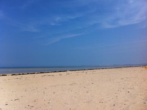 plage déserte.jpg