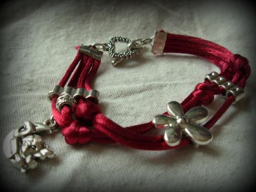 bracelet lacet  bac.jpg